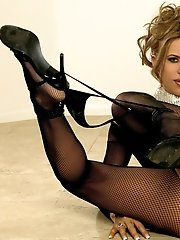 http://promo.foxes.com/pics/Tesha-Diva_-_Crotchless-Fishnet-Bodystockings?PA=2361051